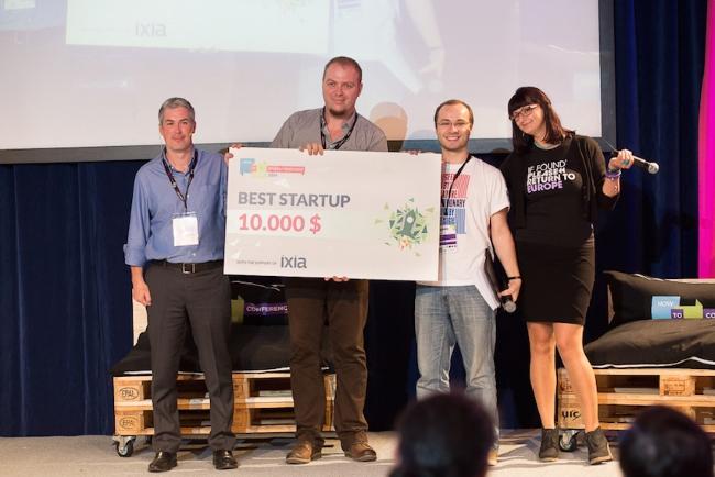best-startup-startupspotlight-2014-axosuits
