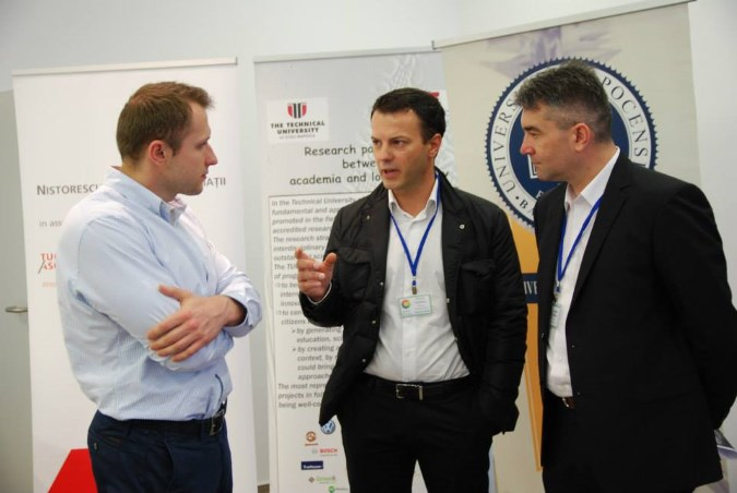 Spherik-accelerator-demo-days-2015-participants1